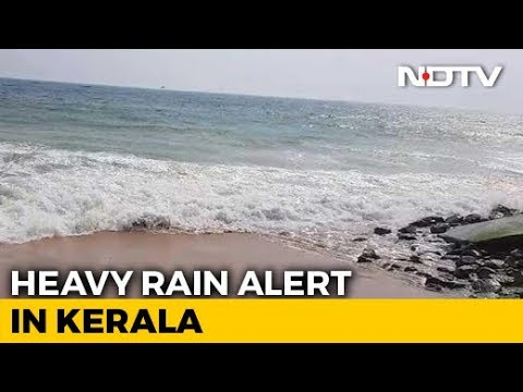 hours-before-monsoon-hits-kerala,-red-alert-in-some-districts