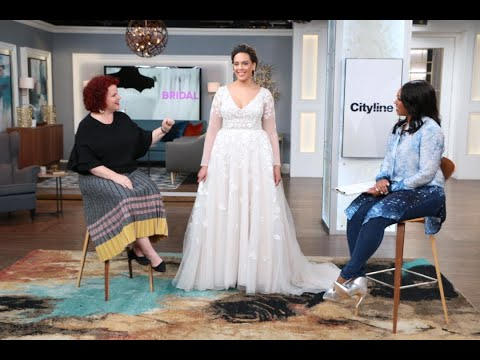 5 stunning wedding gown trends for curvy brides. http://bit.ly/2HDu3dS