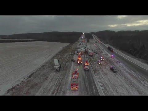 Five killed, dozens hurt in crashes on icy Missouri roads