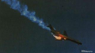 Авиакатастрофа в Киргизии. Беспилотник заснял на видео упавшего самолета в Киргизии.(Boeing 747. Беспилотник заснял на видео упавшего самолета в Киргизии. Подробнее читайте на сайте: https://ru.rt.com/7inr..., 2017-01-17T11:51:48.000Z)