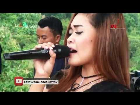 INDAH PADA WAKTUNYA   Dewi Kumoro IRLANDA 2017