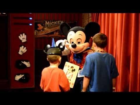 Talking Magician Mickey Mouse FAIL at Magic Kingdom Walt Disney World