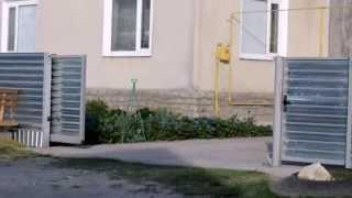 Самодельные автоматические откатные ворота своими руками.(Если Вы решили сделать откатные (раздвижные) ворота своими руками Вам понадобятся: Фурнитура для откатных..., 2013-05-12T18:46:19.000Z)