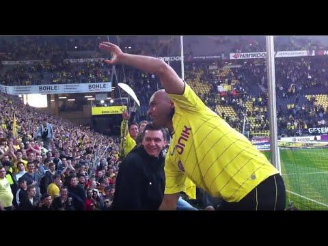 Borussia Dortmund - SC Freiburg 17.04.2011 Spielende - Schweineberg auf Dede in HD