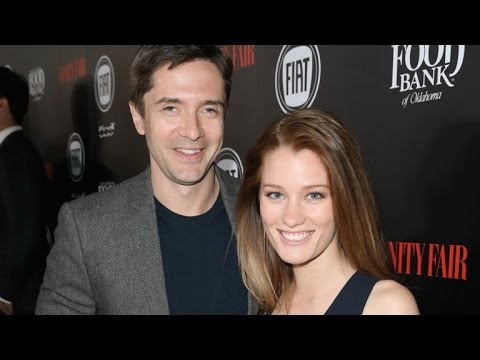Topher Grace and Ashley Hinshaw Are Married!