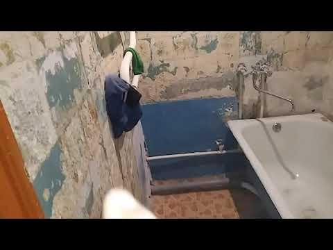 Ремонт туалета и ванны в хрущевке. Панельный дом. Поклейка плитки настенной и половой. Плитка.