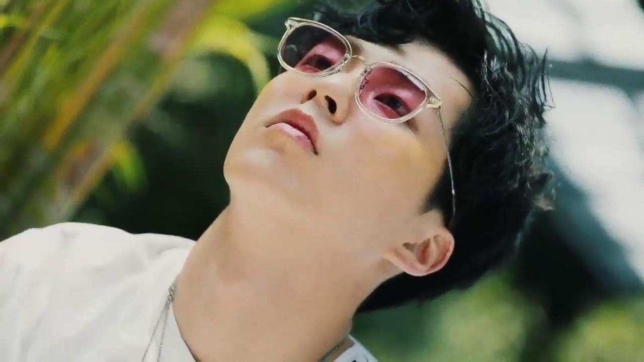Xiumin KOKOBOP Teaser(Twitter Version) - YouTube