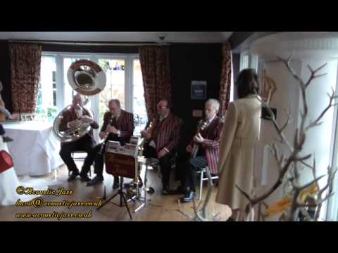 It's Only A Paper Moon at a wedding reception, Jazz Band, Acoustic Jass