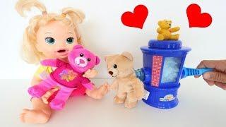 la muñeca baby alive sara y su hermano boby con la máquina de hacer ositos de peluche totoykids