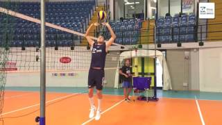SLOW MOTION: Магиц Јововић - incredible no look volley trick by Nikola Jovovic
