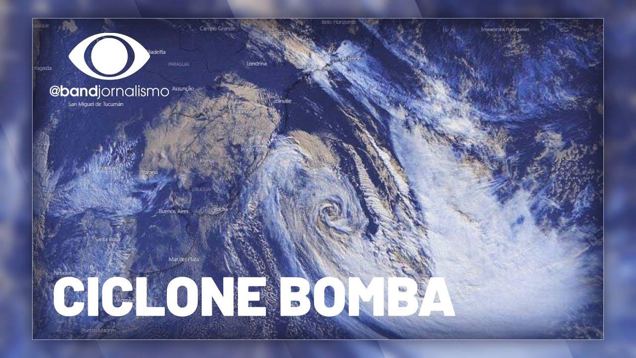 Ciclone bomba provoca efeitos no litoral de São Paulo