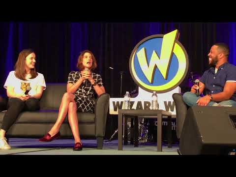 Cobie Smulders and Elizabeth Henstridge Panel Wizard World Chicago 2017 4K