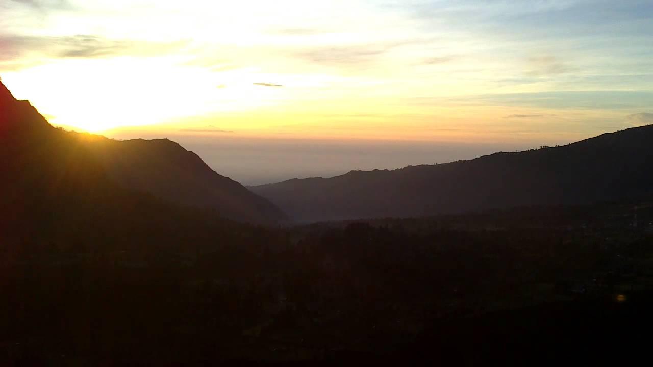 880 Koleksi Gambar Pemandangan Pegunungan Pagi Hari HD Terbaik
