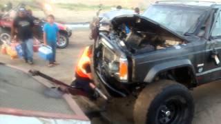 La presa tijuana  accidente CHEROKEE  gura al rescate mayo  2015