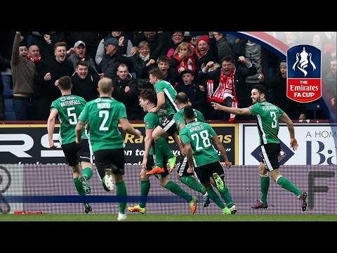 «Линкольн Сити», выступающий в пятом дивизионе, выбил «Бёрнли» из Кубка Англии