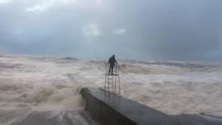 Шторм, ураган 3 декабря 2016 Сочи, Чёрное море(, 2016-12-04T14:11:53.000Z)