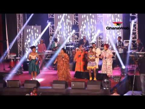 Yvonne Chaka Chaka, Wiyaala and Becca perform together at African Legends Night