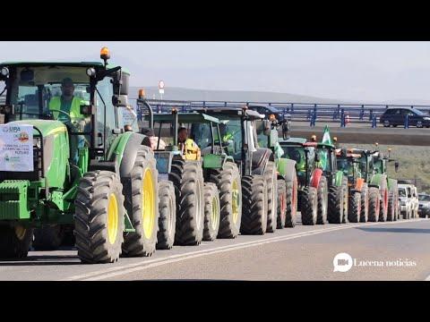 VÍDEO: El campo cordobés muestra músculo: Miles de tractores toman la A45 para exigir precios dignos.