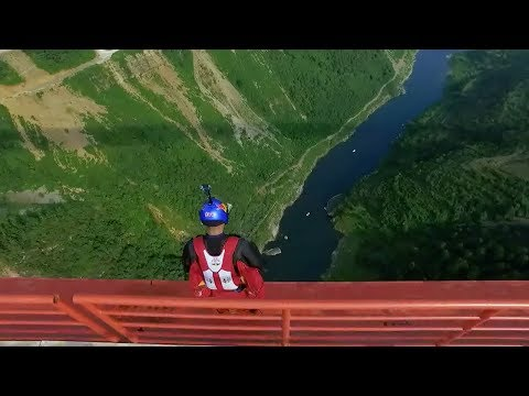 World's fifth highest bridge attracts extreme athletes to China