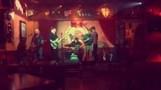 K-Bob and Mad Dog sing Karaoke