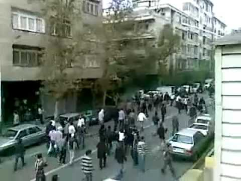 Anti-regime protesters in Tehran - Iran 4 November 2009