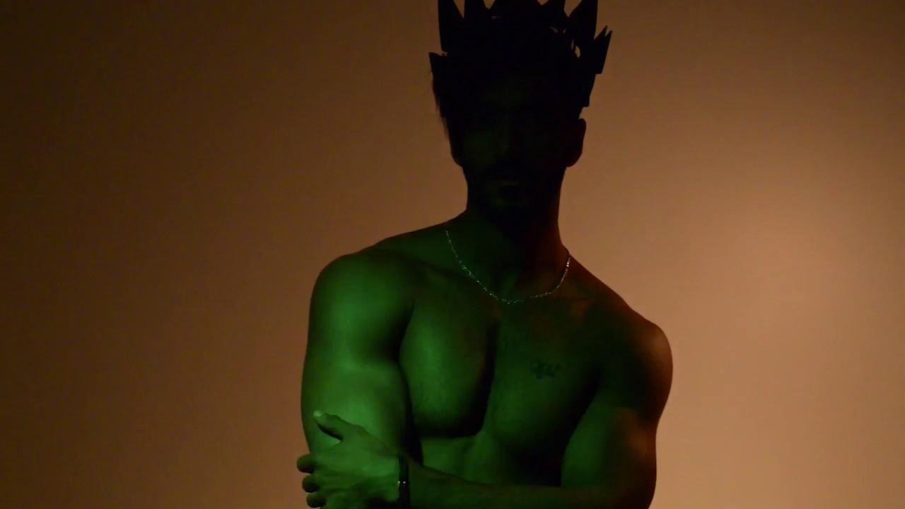 Devil crown