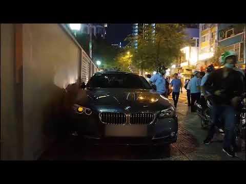 ng on Ngc Hi ti xut dn mt ch xe BMW t nc mnh khng cn nhng ngi nh anh