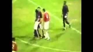 """Malaikat  """" Izrail """" Mencabut Nyawa Di Lapangan Bola"""