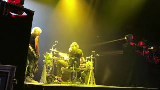 DEF LEPPARD - The Drum Tech's View in Montreal!