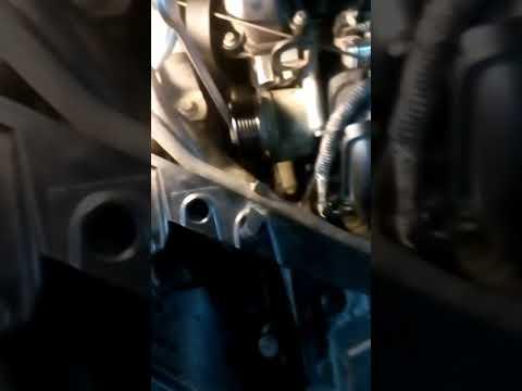 Замена ролика обводного ремня форд 2