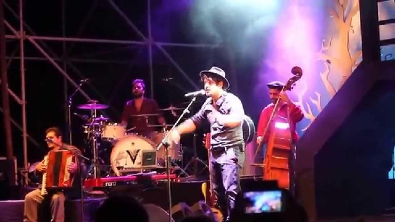Alessandro Mannarino Vivere La Vita E Presentazione Band Youtube