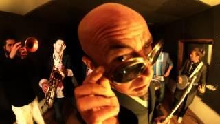 "Fanfare Funk Le GrOs TuBe - ""Lady robot"""