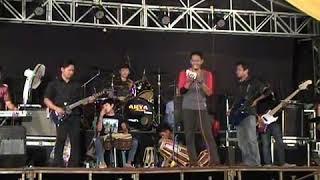 Cover Lagu Dua Pilihan Devi Octasari.mp3