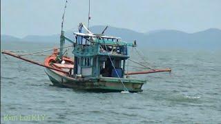 Lần đầu tiên mới thấy được những chiếc tàu đánh bắt tôm cá trên biển là đây.