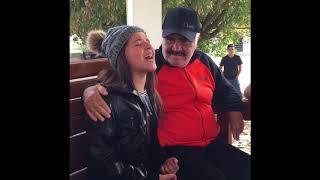 NIÑA CANTA A VICENTE FERNÁNDEZ