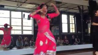 Chittiyan Kalaiyan dance - Bollywood High School demo- USA, Raleigh NC