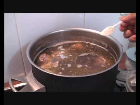 How To Make Vietnamese Beef Noodle Pho Soup (Pho Bo)
