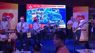 Ban nhạc Hòa Tấu - Bam Bi No & Quando Quando ( CT Dĩa Cơm Trên Tường số 36 )