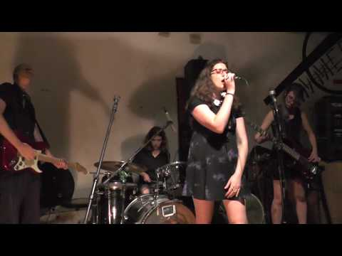 Creme Burlesque live at the Zimmer 16/6/17 קרם בורלסק לייב ב