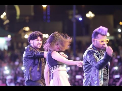 Sunidhi Chauhan Live Performance at Global Village Dubai UAE (11/11/16) 4K