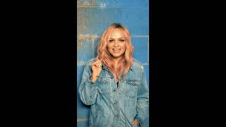 Baixar Emma Bunton - Baby Please Don't Stop (Vertical Video)
