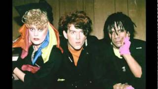 The Thompson Twins - Watching (You Watching Me)