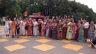 Харинама в Батайске, Нитай Пандит прабху, Прабхавишну прабху, 11 июля 2016 года