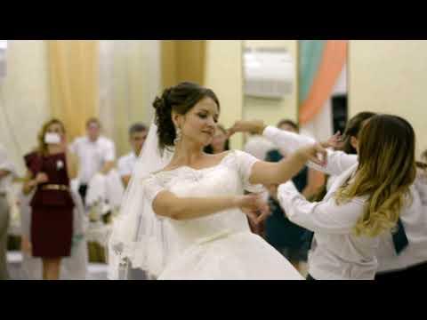 Саша и Лена - танец в подарок жениху от невесты и подруг