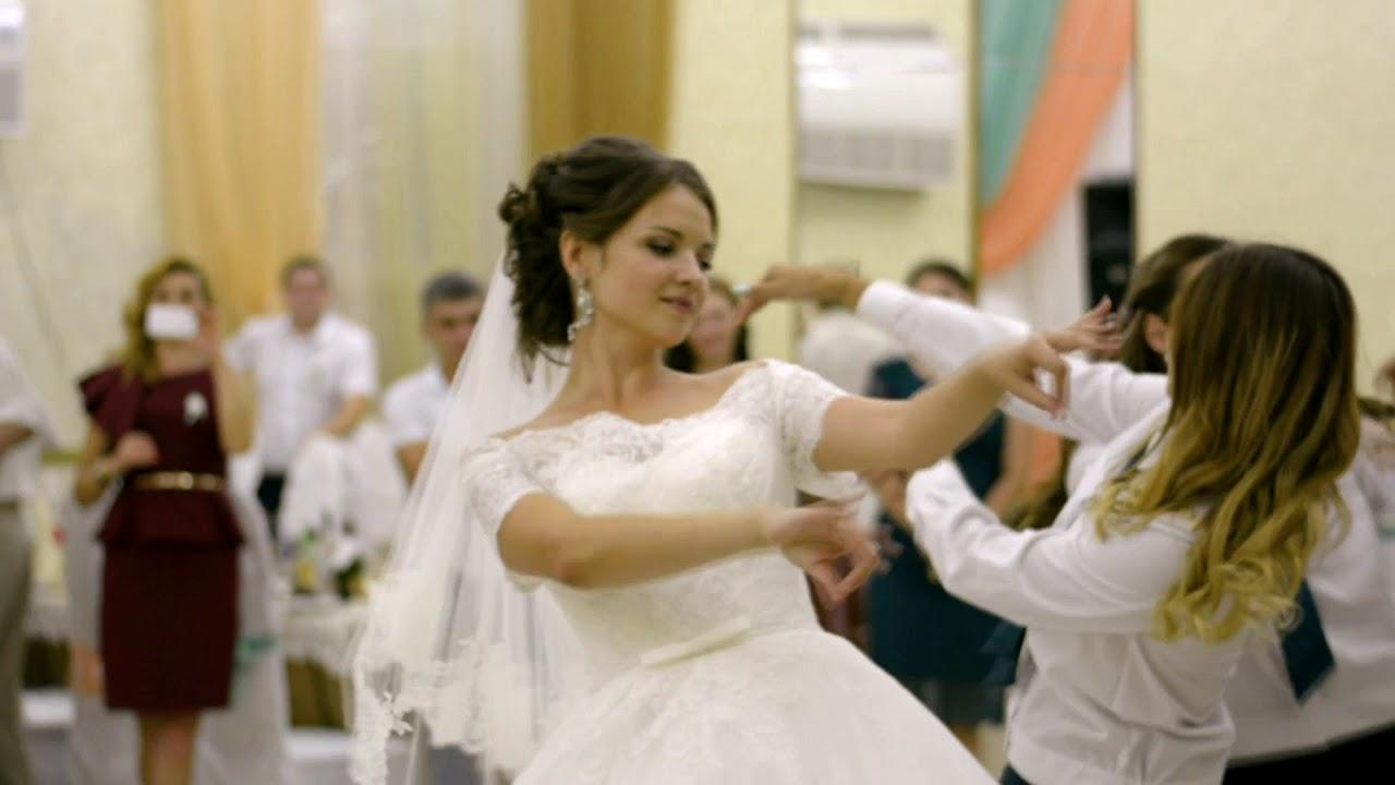 Прикольные конкурсы на девичник для невесты и ее подружек 100