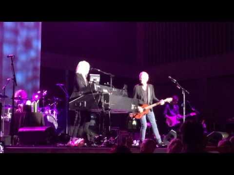 Hold Me  Christine McVie Lindsey Buckingham       Nashville TN June 23, 2017