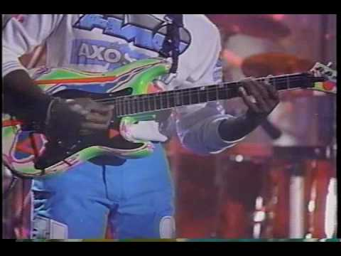 (BETTER QUALITY!) Living Colour performing