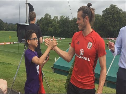Autistic football superfan meets his idol Gareth Bale