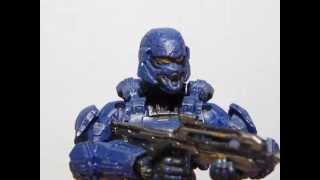 Blue Spartan Soldier Halo 4 Series 1 Action Figure Review.