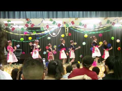 Balderas  Girls  Dancing
